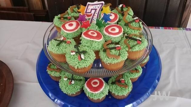 050215_archerycupcakes